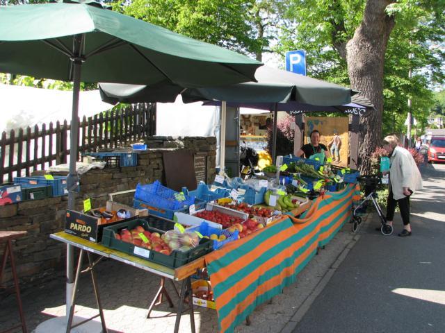 Wambach Frucht auf dem Bad Bodendrofer Wochenmarkt